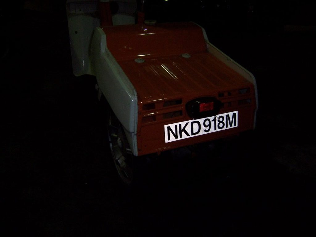 NKD 918 M