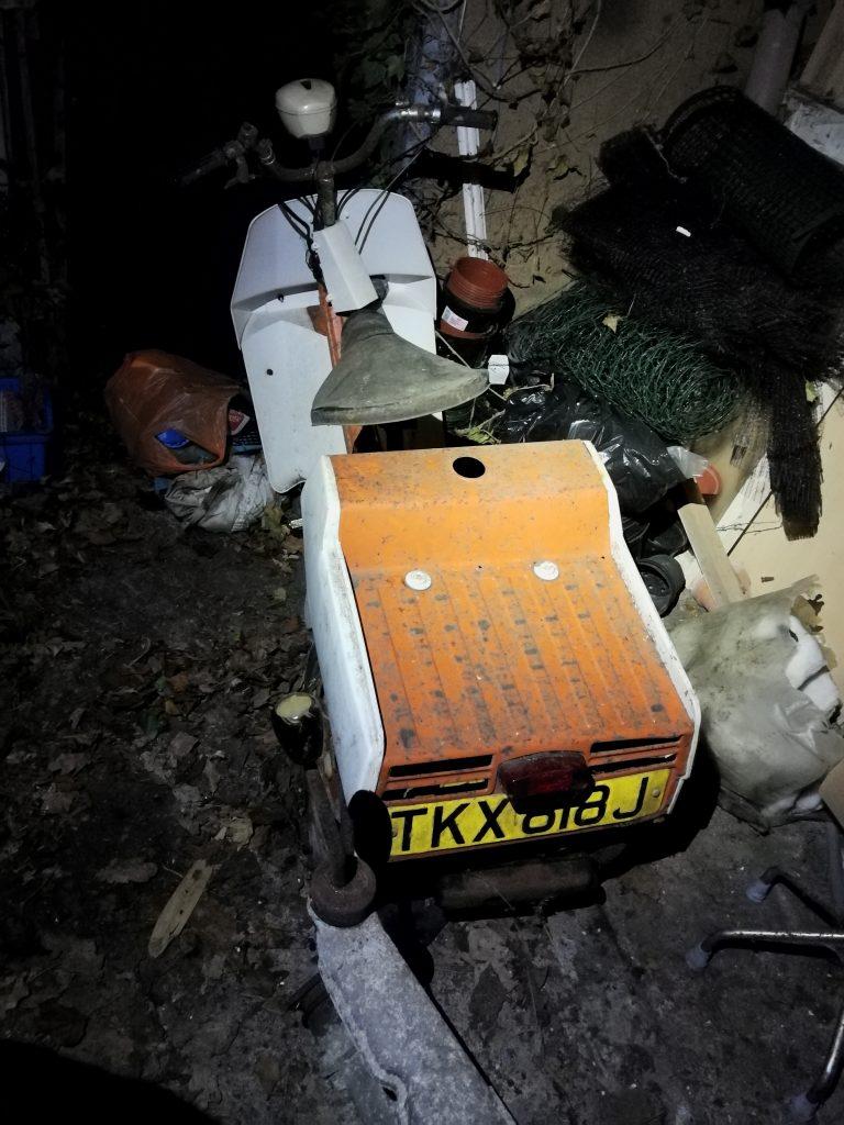 TKX 818 J